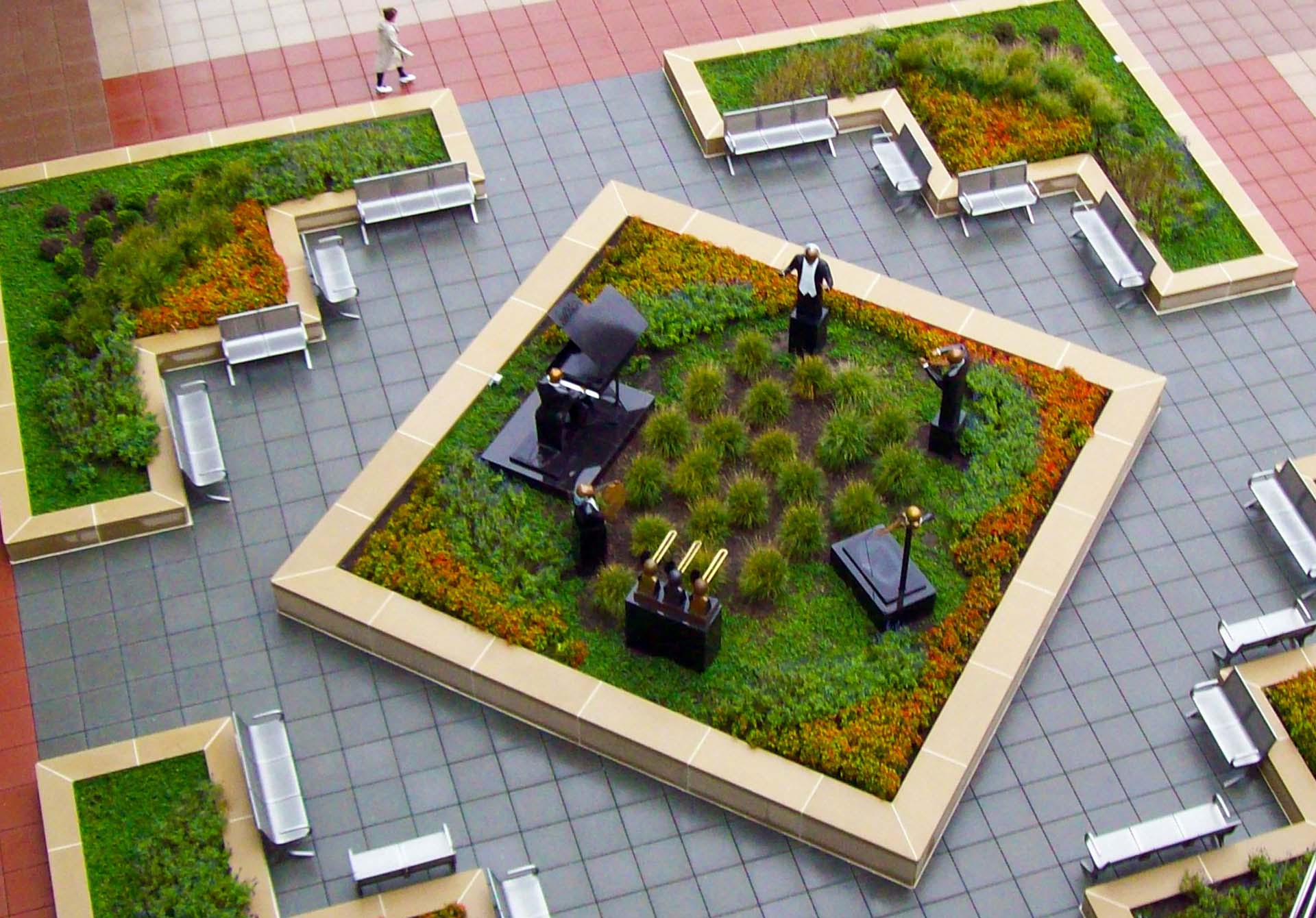 Manufacturer of Commercial Building Courtyard Architectural Pavers
